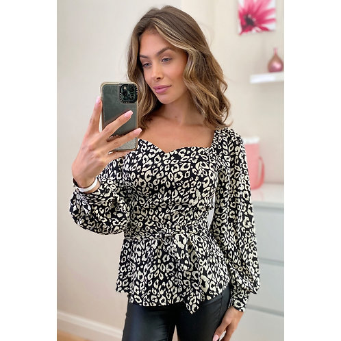 Girl in Mind - Leopard puff sleeve top