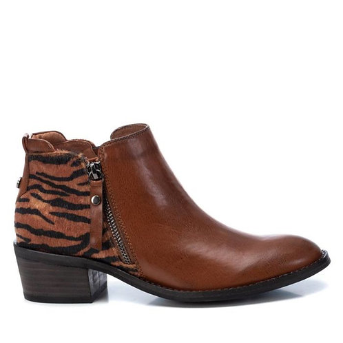 XTI - Tiger detail ankle boot