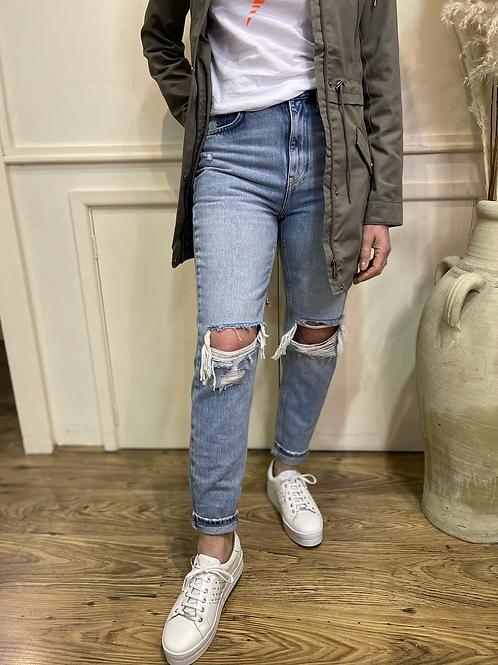 Vero Moda - Ripped straight leg ankle mom jeans
