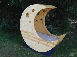 Moon shaped baby cradle