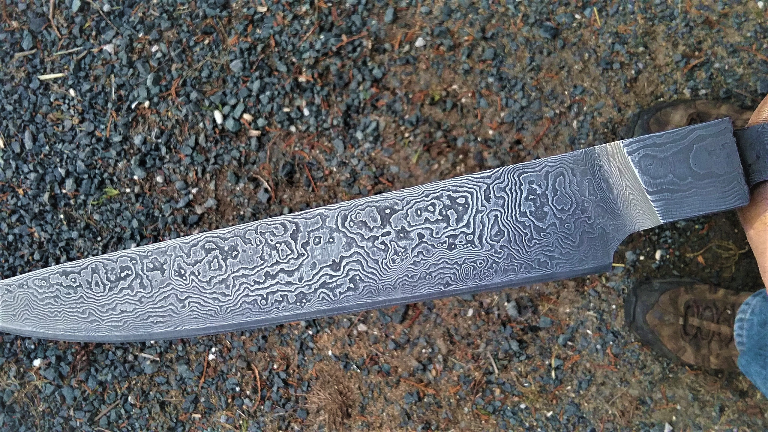 Damascus chef knife integral bolster