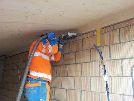 Untermörteln Dachpfetten für Schallschutz und Statik