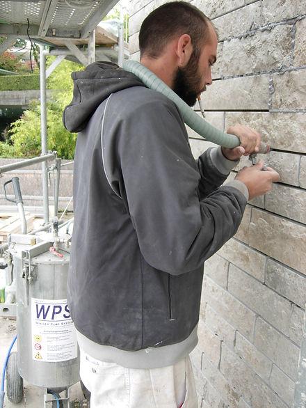 Ausfugen von Granitblenden