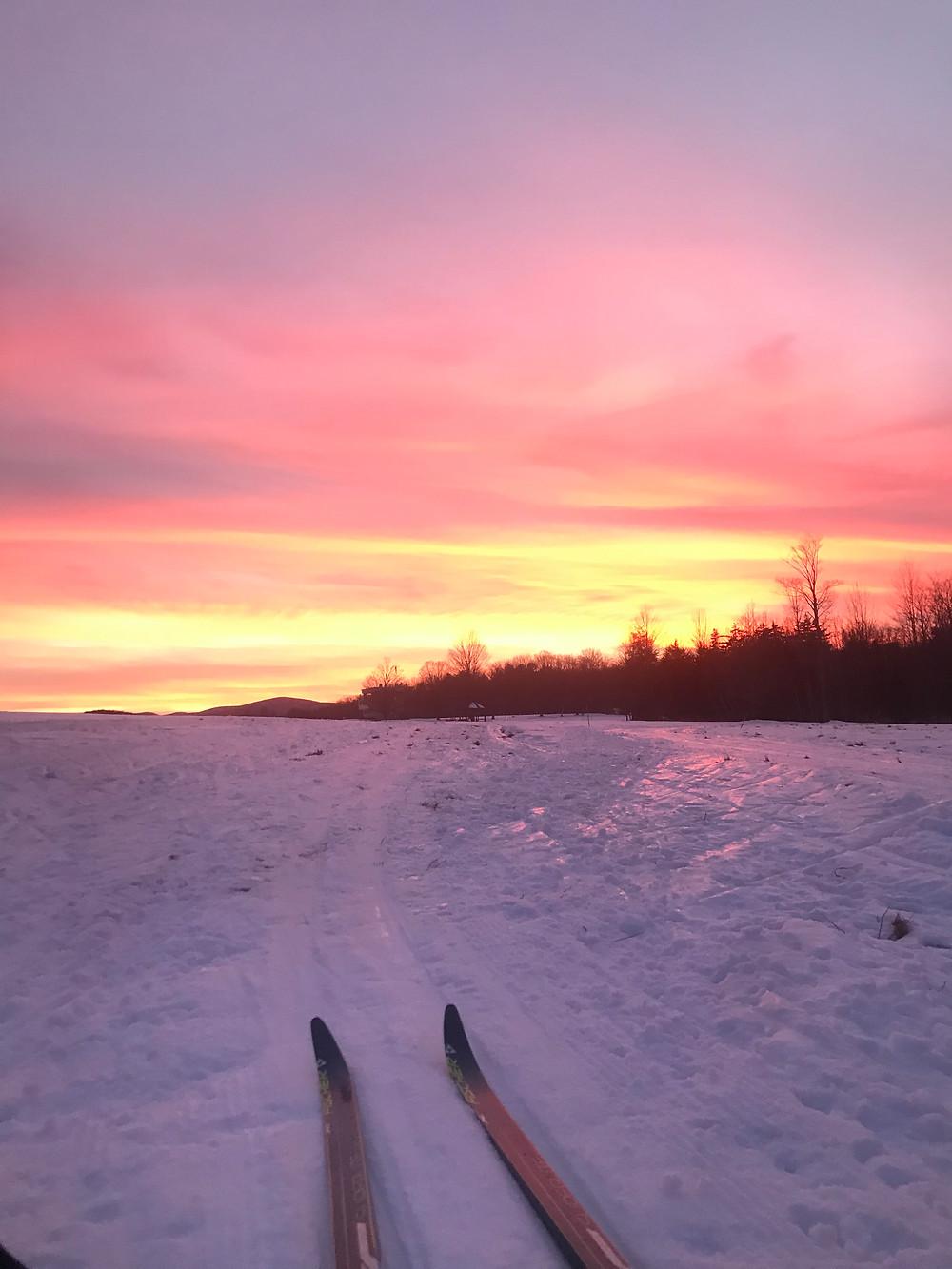 very nice Christmas sunset on an end of the day ski!