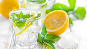 7 Tips to Stay Hydrated This Summer!