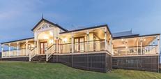 We specialise in refurbishing Queenslander style homes
