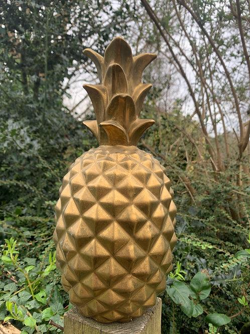Large matt golden pineapple