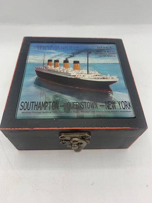 Titanic x 6 glass coaster box set