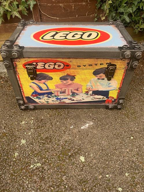 Medium Lego trunk