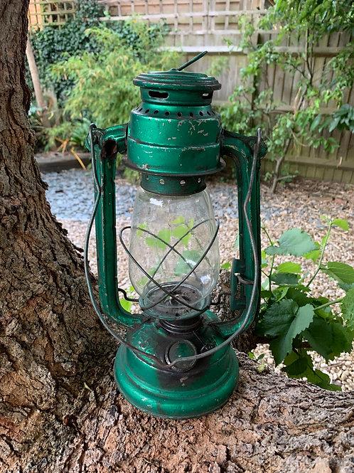 Vintage Tilly lamp
