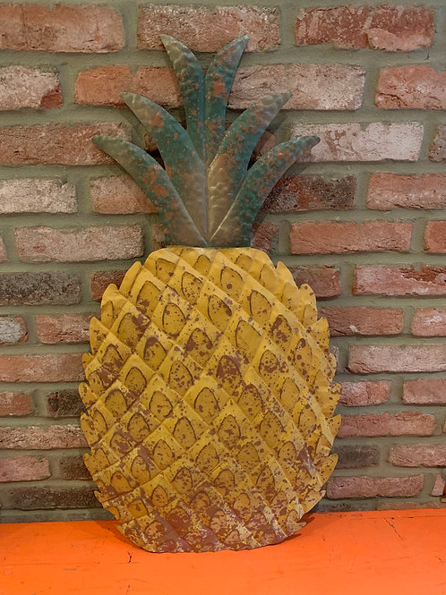 Giant wall mounting pineapple