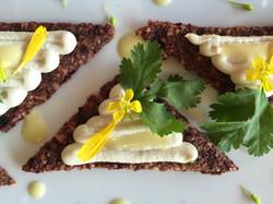 Beetroot crackers and horseradish