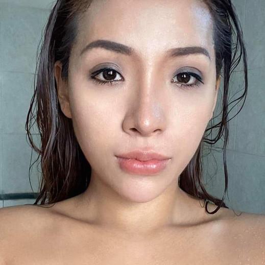 Ms Evelyn Myanmar Candy Model