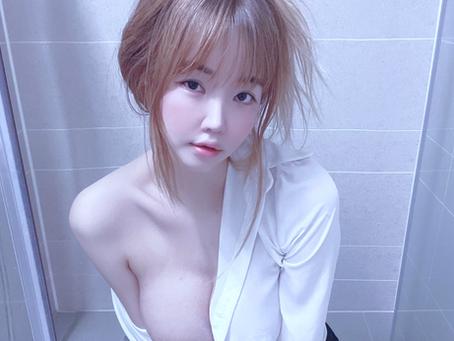 Korean Racing Girl Get Wet