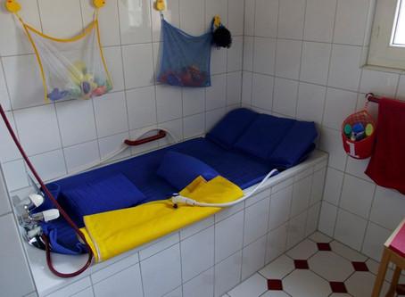Neuer Badelift