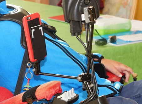 iPhone-Halterung am Rollstuhl
