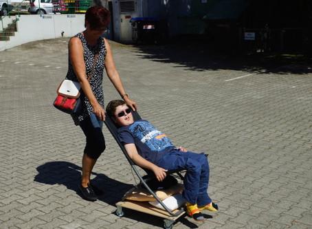 Rollstuhl für Seitenwagen-Ausflüge