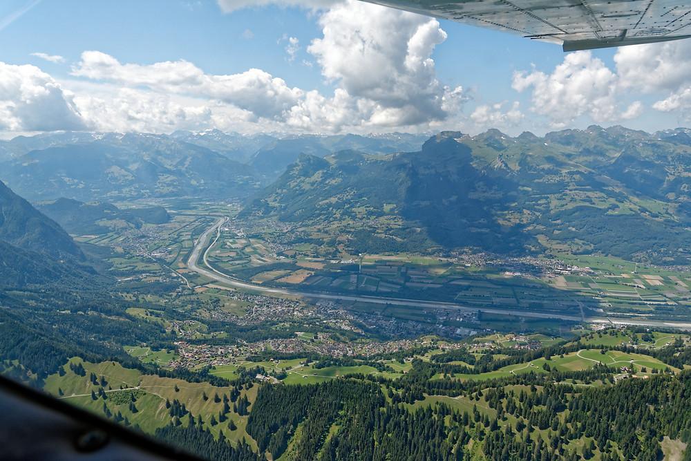 Triesenberg, im Hintergrund Sargans