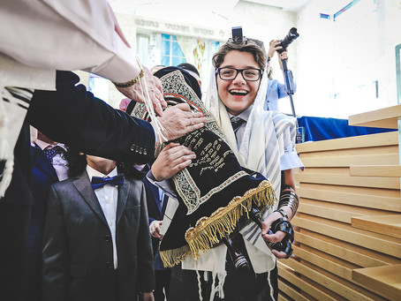 Bar Mitzvah documentary photography: Ethan L. ceremony at Young Israel Synagogue, Bal Harbour FL