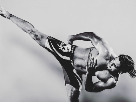 """Ultimate fighting superstars photoshoot for TV program """"Combate Americas"""" in Miami"""