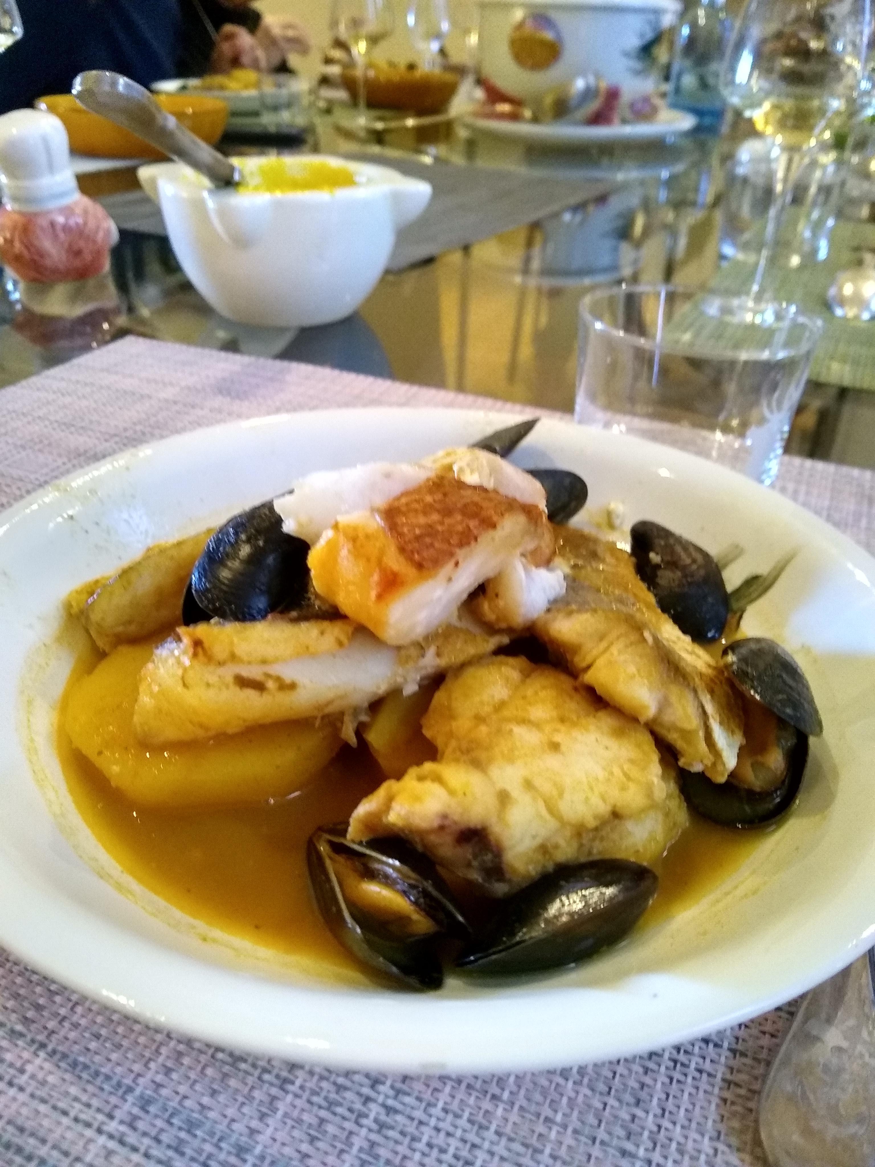 Une belle assiette de Bouillabaisse