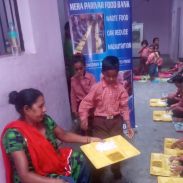 Meraparivar Food Bank (15).jpeg