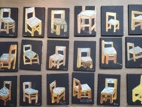 小学生クラス.椅子キャンバス画