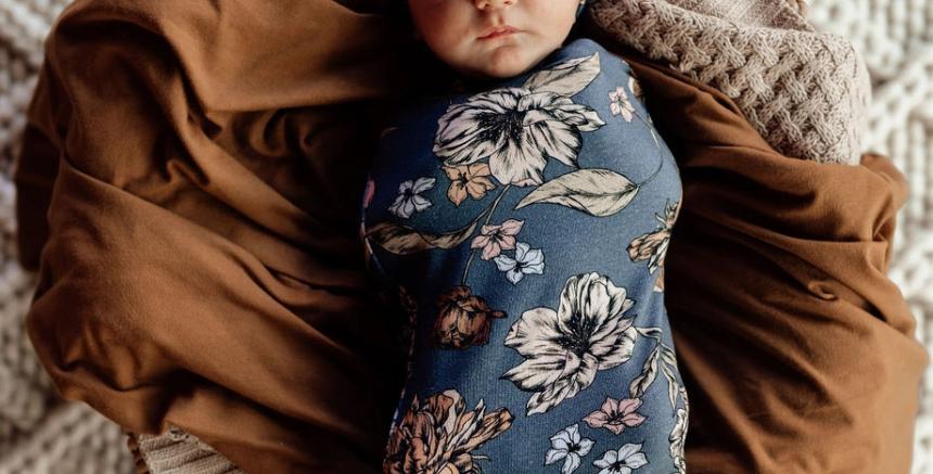 Snuggle Hunny - Belle   Snuggle Swaddle & Topknot Set