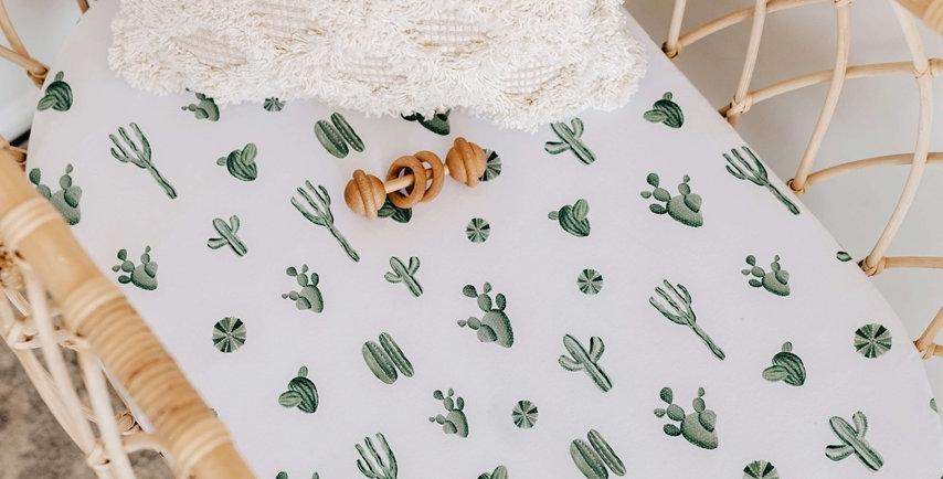 Snuggle Hunny - Whale Bassinet Sheet / Change Pad Cover