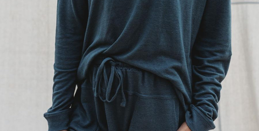 Halo & Horns - Woman Weekender Pullover | Charcoal