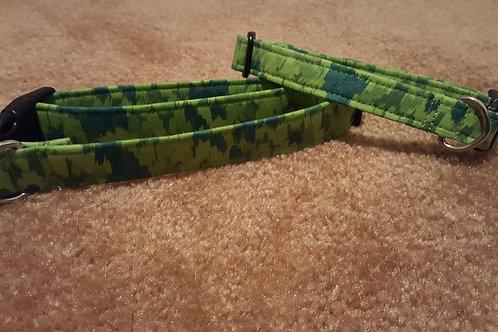 Green Variegated Buckle Collar