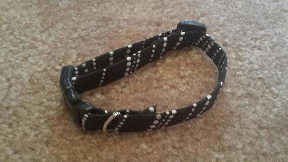 Black & White Dot Buckle Collar