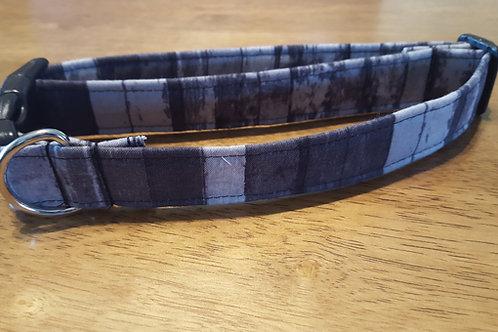 Grey Wood Grain Buckle Collar