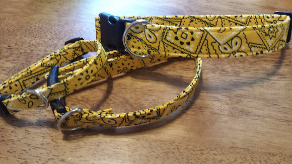 Yellow Bandana Buckle Collar