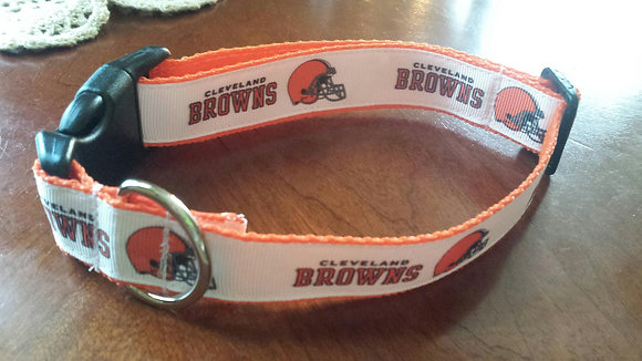 Cleveland Browns - White Buckle Collar