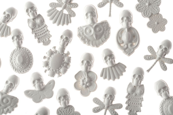 White silicone skulls brooches