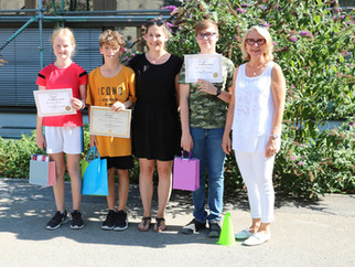 "Erste ""English Reading Competition"" an der Tilly-Realschule"