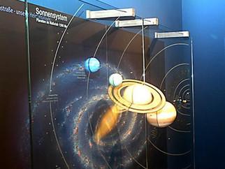 """""""Den Sternen so nah"""" - Wandertag R6b – Besuch im Planetarium Augsburg"""
