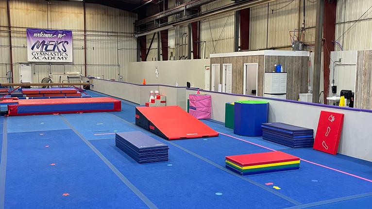Meks Recreational Gym: Floor Area