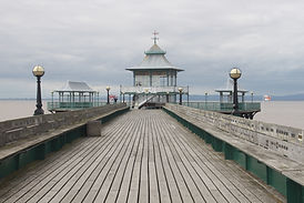 Clevedon_Pier_from_beach_05 (1).jpg