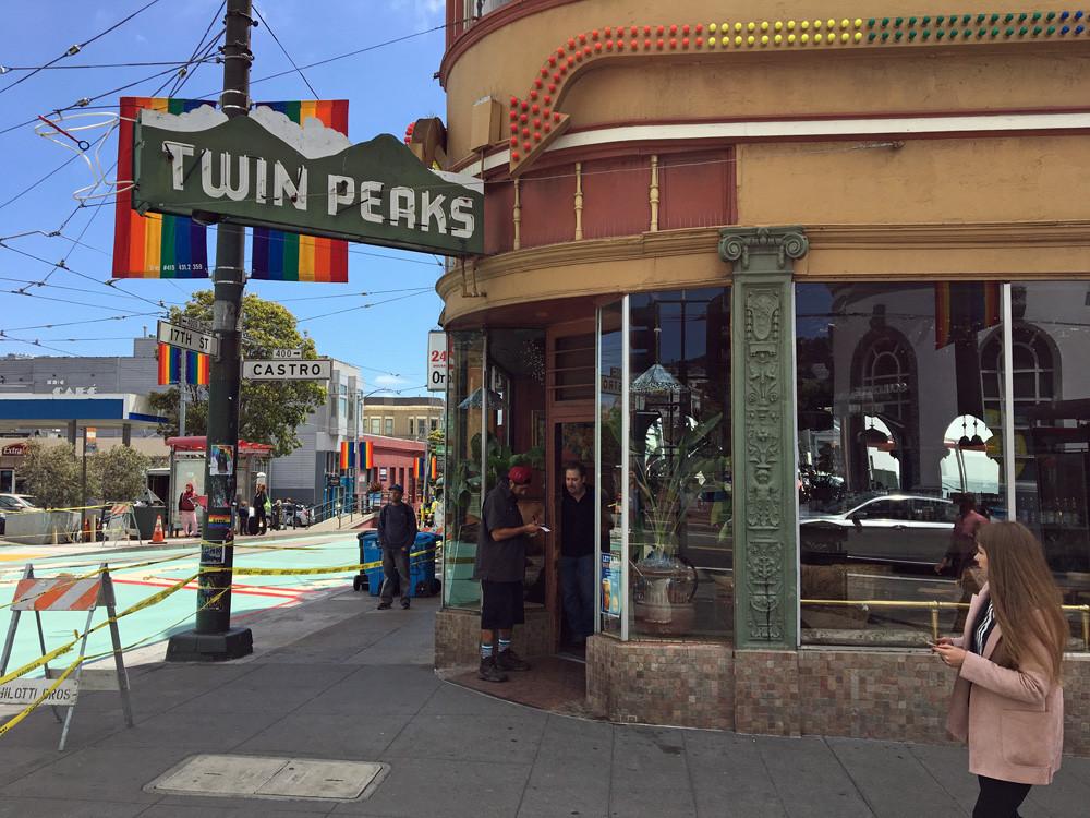 Twin Peaks Gay Bar - San Francisco | On Airplane Mode