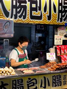 Liuhe Night Market in Kaohsiung, Taiwan | On Airplane Mode