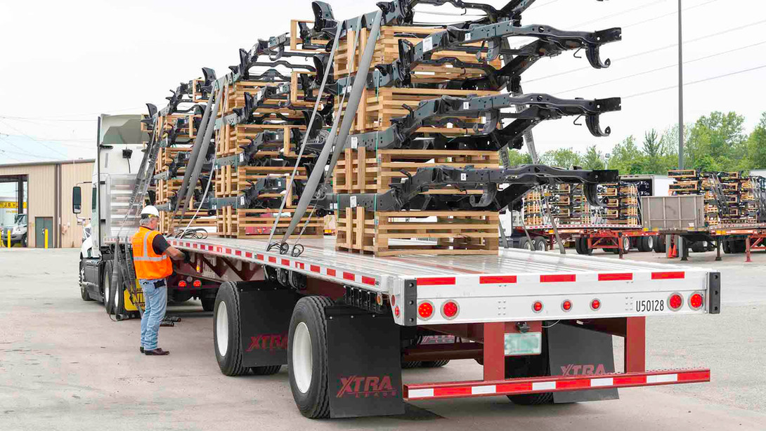 flatbed-trailers.jpeg