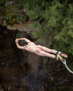 MHRP Nude Bungy Jumping 1
