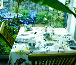 BREAKFAST WITH A GARDEN VIEW