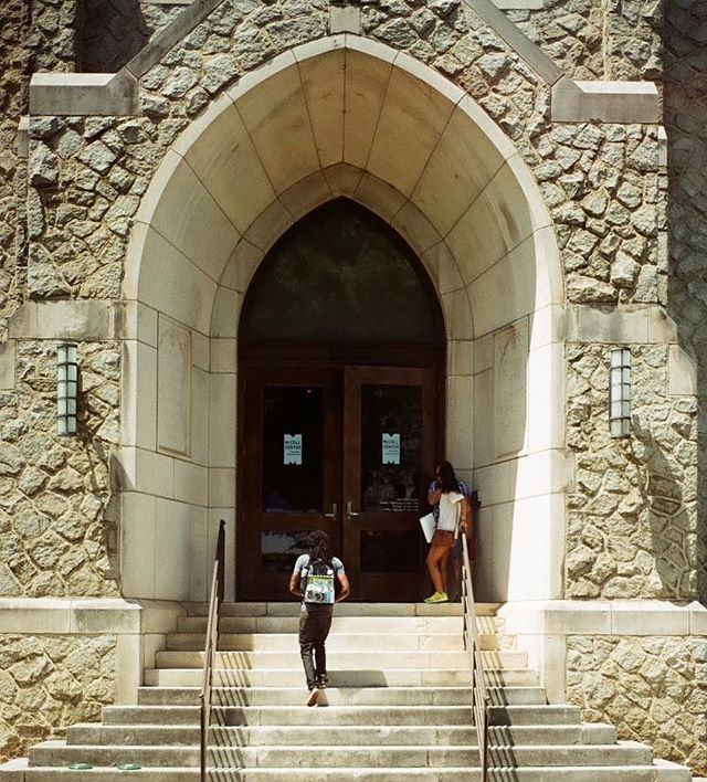 _ablacktv walking into _mccollcenter last Saturday #35mm #filmphotography #nikonfg #hannahbarnhardtp