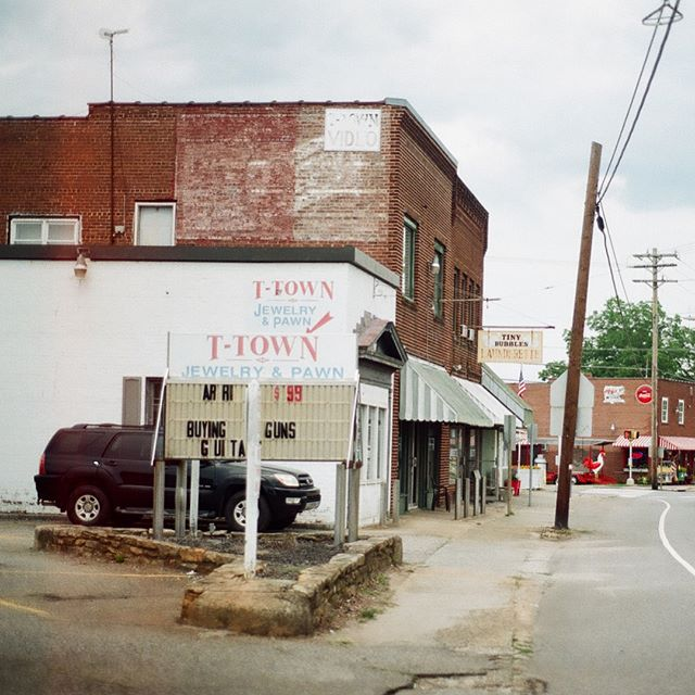 more film from yesterday in Troutman #hannahbarnhardtphotos #35mm #chinongenesis #nikonfg #filmphoto