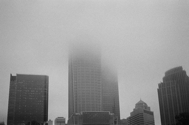 🌫🌫🌫🏙 #35mm #filmphotography #blackandwhitephotography #hannahbarnhardtphotos #hannahbarnhardtpho
