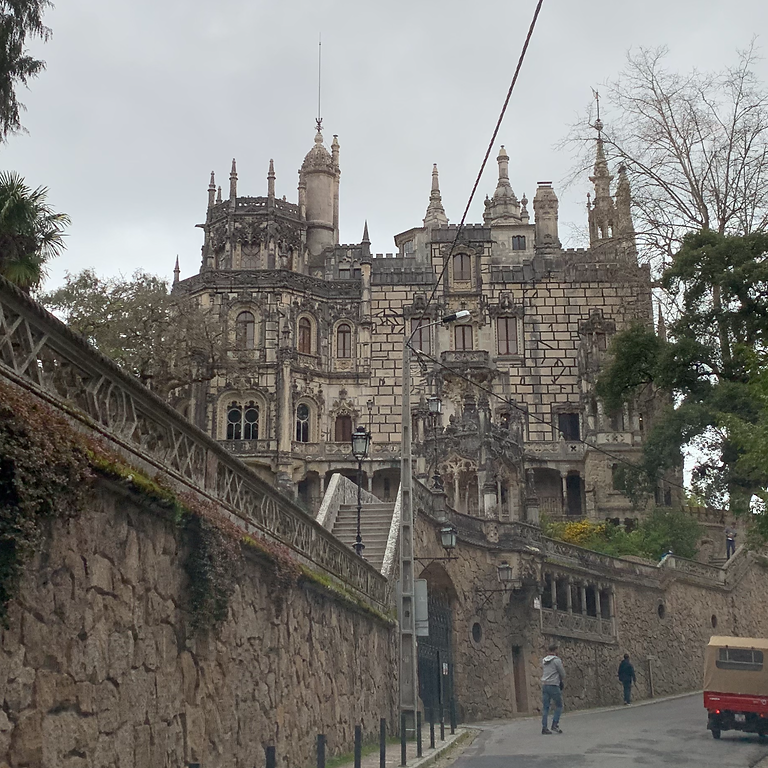 Palaces and Wine Tour