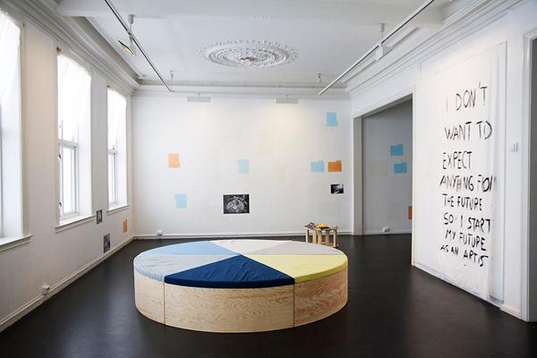 Office in bed-doku07.jpg